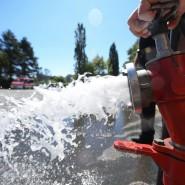 Notleitung zur Trinkwasserversorgung: Die Trockenheit in Hessen führt zur Wasserknappheit. (Archiv)