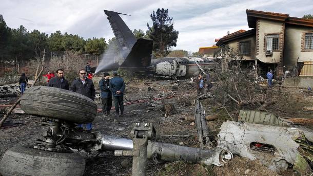 15 Tote bei Flugzeugunglück in Iran