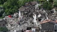 Drohnenbilder zeigen die Zerstörung in Italien
