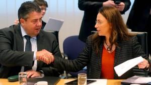 SPD-Spitze erhöht den Druck auf die Basis