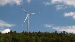 Mehr Strom aus Wind und Sonne