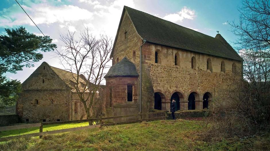 Mittelalterlich: Ende des 12. Jahrhunderts wurde das Kloster auch auf den Resten einer Kirche aus der Zeit um 1000 errichtet.