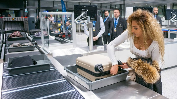 Frankfurter Flughafen baut Sicherheitskontrollen aus