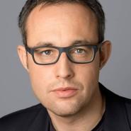 """Thomas Thiel  - Portraitaufnahme für das Blaue Buch """"Die Redaktion stellt sich vor"""" der Frankfurter Allgemeinen Zeitung"""