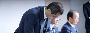 Insolvenz bekanntgegeben, Kotau gemacht: der Takata-Vorsitzende Shigehisa Takada auf der Pressekonferenz in Tokio