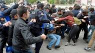 Türkische Polizei setzt Tränengas gegen Demonstranten ein