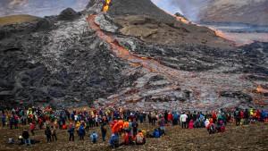 Vulkanausbruch wird zum Touristenevent