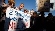 Déjà-vu: Vor einem Jahr wurde gegen die Zuweisung zu entlegenen Schulen demonstriert - vielleicht nicht zum letzten Mal.