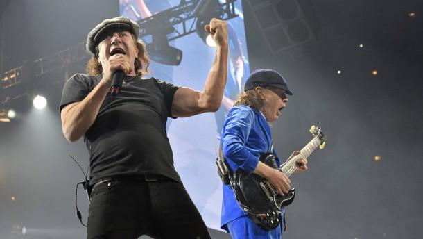 AC/DC-Sänger droht Gehörverlust