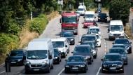 """Dichter Verkehr in Stuttgart: Auf der Straße """"Am Neckartor"""" lag der Jahresmittelwert für Stickstoffdioxid im vergangenen Jahr rund doppelt so hoch wie erlaubt."""