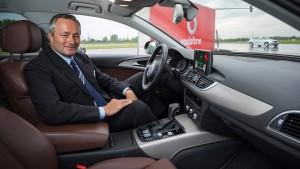 Vodafone und Continental bündeln Kräfte für sichereren Straßenverkehr