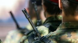 Soldaten posten offen Rechtsradikales