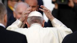 Papst bittet Missbrauchsopfer um Entschuldigung