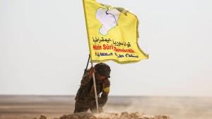 Kurdenmiliz setzt Kampf gegen IS aus