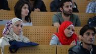 213.000 Asylsuchende kamen 2016 bislang nach Deutschland