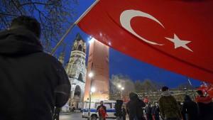 Berlin kann wohl türkisches Referendum in Deutschland verbieten