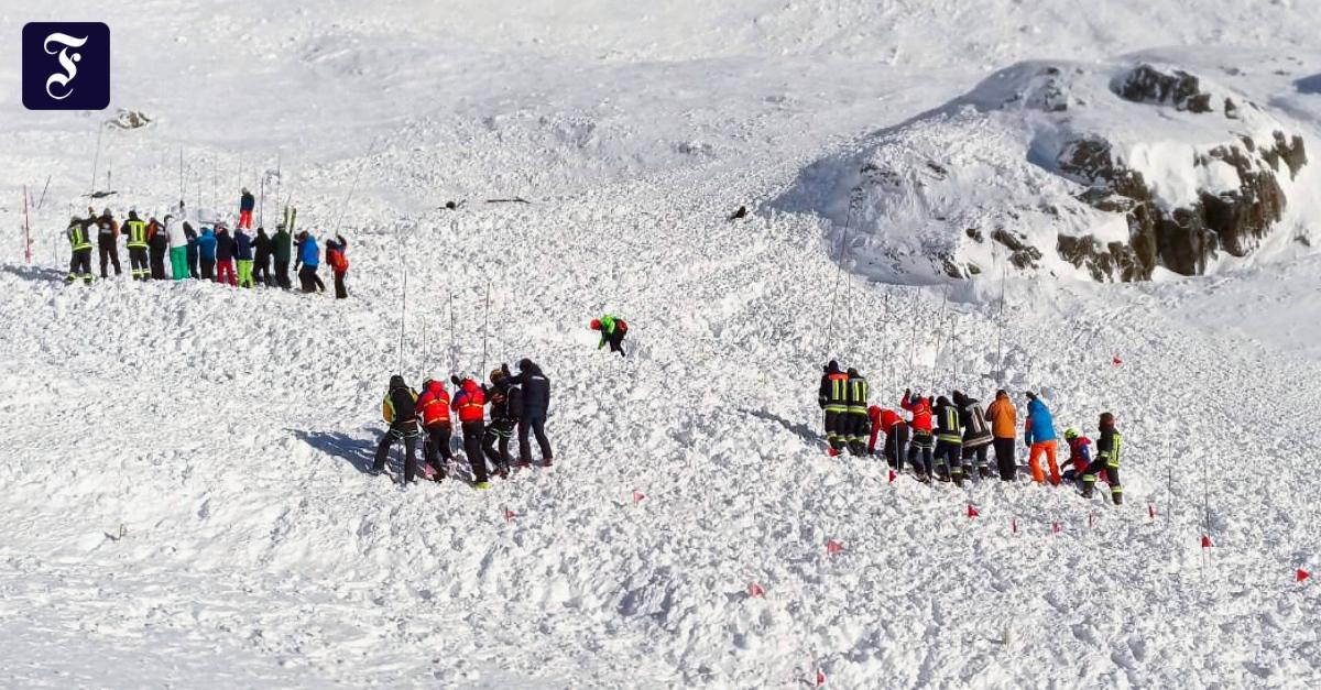 Drei Tote nach Lawine: Hätte die Talabfahrt gesperrt werden müssen?