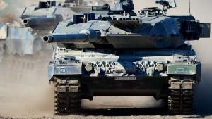 Rüstungsindustrie droht Regierung