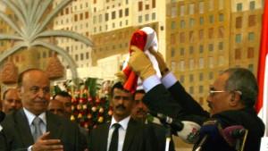 Salih übergibt Macht an neuen Staatschef Hadi