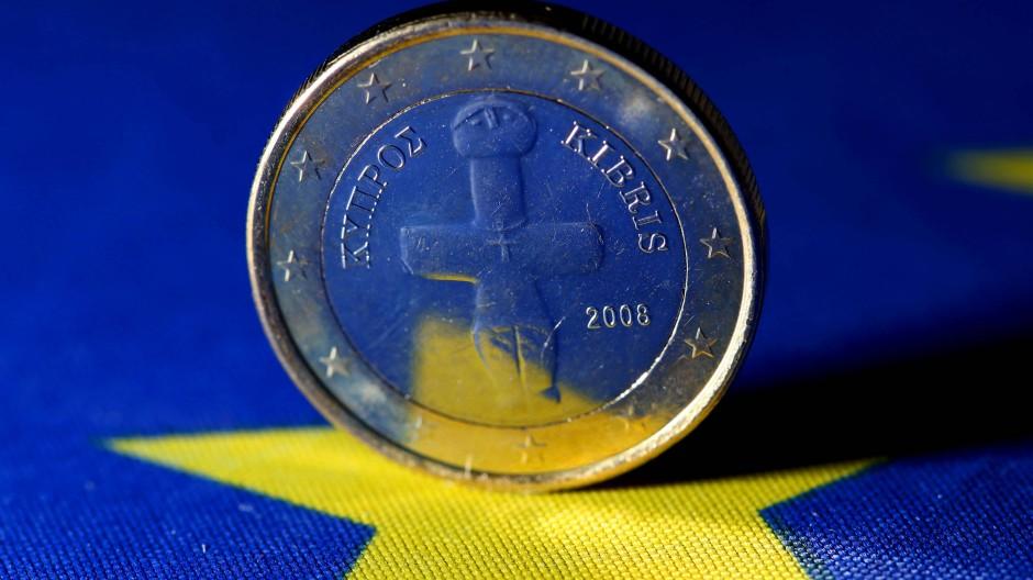 Im Mai überwies die Eurogruppe Zypern drei von zehn Milliarden Euro