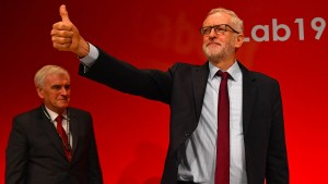 Labour-Parteitag stellt sich hinter Corbyn