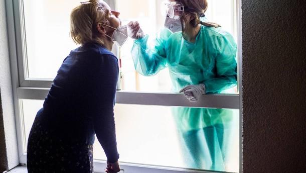 30 Todesfälle und 989 Neuinfektionen gemeldet