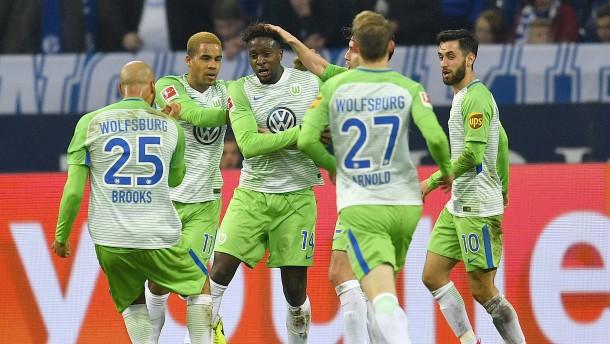 Wolfsburg gleicht in letzter Sekunde aus