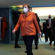 """Bundeskanzlerin Angela Merkel: """"Es ist heute wirklich nicht der Tag, jetzt zurückzublicken oder irgendwie zu fragen, was wäre gewesen, wenn. Sondern es ist der Tag, das Notwendige zu tun."""""""