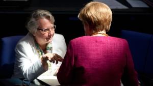 """Merkel hat """"volles Vertrauen"""" zu Schavan"""
