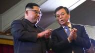 Kim Jong-un klatscht im Rhythmus