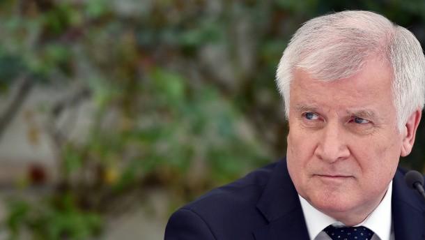 Seehofer: Zu Merkels Kurs ist alles gesagt