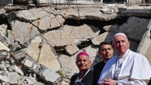 Papst besucht vom IS zerstörtes Mossul