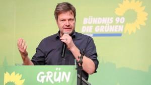Habeck fordert Entschuldigung von Seehofer