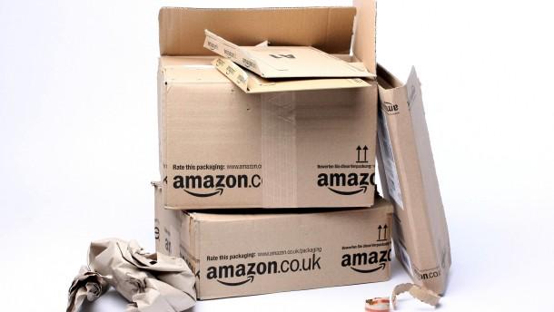 Leere Versandkartons -  Fotoillustration zum Internet-Versandhändler Amazon