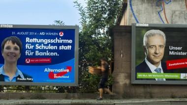 Wahlplakate der AfD und der CDU vor der sächsischen Landtagswahl in Dresden