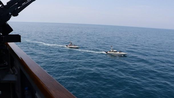 Iranische Boote provozieren amerikanische Kriegsschiffe