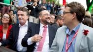 Noch bester Dinge: SPD-Kanzlerkandidat Martin Schulz am Samstagabend in Dortmund