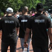 Auch im Prinzenbad in Berlin muss ein Sicherheitsdienst für Ordnung sorgen.
