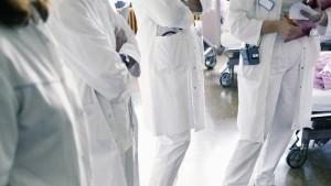 Niedrigzins und Unisex belasten Krankenversicherte