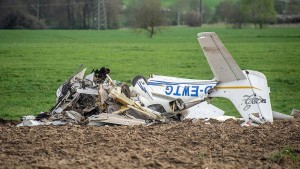 Zwei Tote bei Zusammenstoß von Kleinflugzeugen