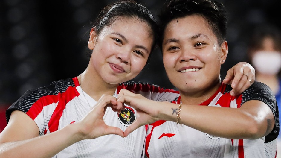 Strahlende Olympiasiegerinnen: Greysia Polii und Apriyani Rahayu