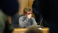 Marcel H. schlachtete seine Opfer regelrecht ab. Anschließend prahlte er damit im Internet.