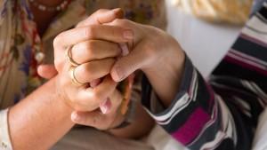Wie die Evangelische Kirche über Sterbehilfe streitet
