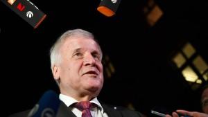 Horst Seehofer will Parteitag verschieben