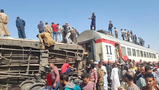Mindestens 32 Tote bei Zugunglück in Ägypten