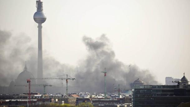 Gasbehälter am Berliner Humboldt Forum zerborsten