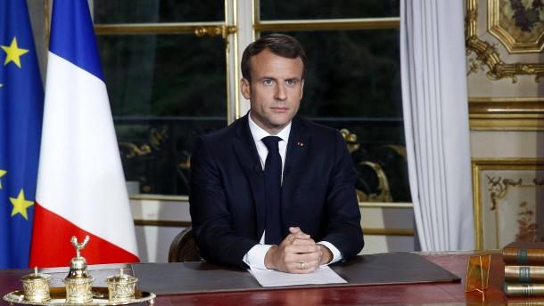Macron verspricht Wiederaufbau Notre-Dames binnen fünf Jahren