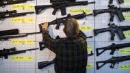 Die 45. Internationale Waffen-Sammlerbörse im März in Luzern