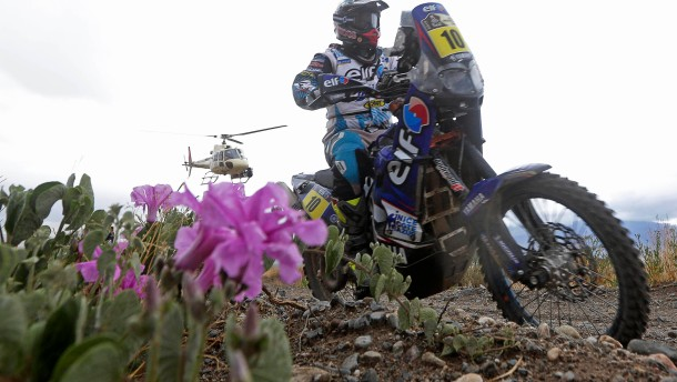 France's David Casteu rides his Yamaha during the 8th stage of the Dakar Rally 2013 from Salta to San Miguel de Tucuman