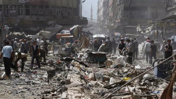Syrische Luftwaffe tötet mehr als 80 Menschen